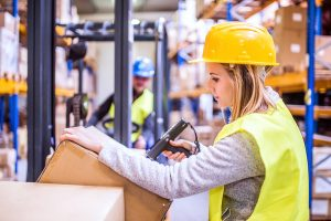 https://itsupplychain.com/wp-content/uploads/2018/08/bigstock-Unrecognizable-Warehouse-Woman-228433771_600x.jpg