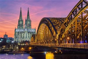 https://itsupplychain.com/wp-content/uploads/2018/10/C-H-Robinson-cologne-night-germany-shutterstock_426521938-Supply-Chain-Times.jpg