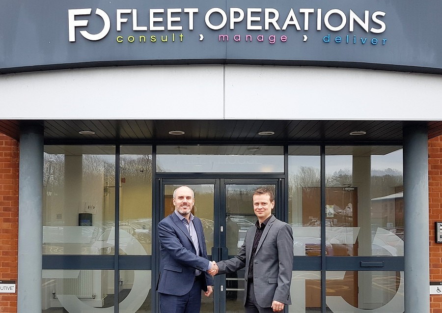 https://itsupplychain.com/wp-content/uploads/2019/02/L-R-Richard-Hipkiss-welcomes-Chief-Information-Officer-David-Gallimore-to-Fleet-Operations-900-x-637.jpg