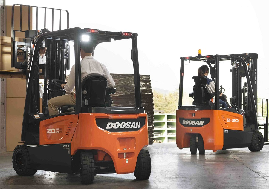 https://itsupplychain.com/wp-content/uploads/2019/03/Doosan-powers-ahead-at-CV-Show-2019-900-x-633.jpg