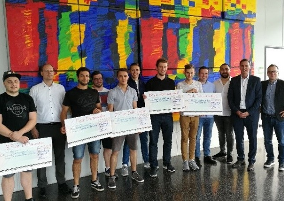 https://itsupplychain.com/wp-content/uploads/2019/07/inconso-TH-Mittelhessen-University-of-Applied-Sciences-THM-and-inconso-Present-Awards-582-x-412-900-x-637.jpg