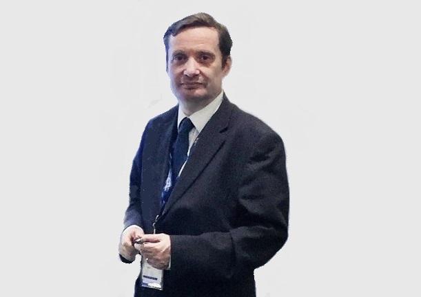 https://itsupplychain.com/wp-content/uploads/2021/04/David-Jinks-MILT-Parcelheros-Head-of-Consumer-Research-611-x-432-900-x-636-Grey-Background.jpg