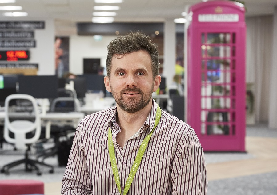 https://itsupplychain.com/wp-content/uploads/2021/05/James-Hyde-CEO-of-James-and-James-Fulfilment-900-x-636-2.jpg