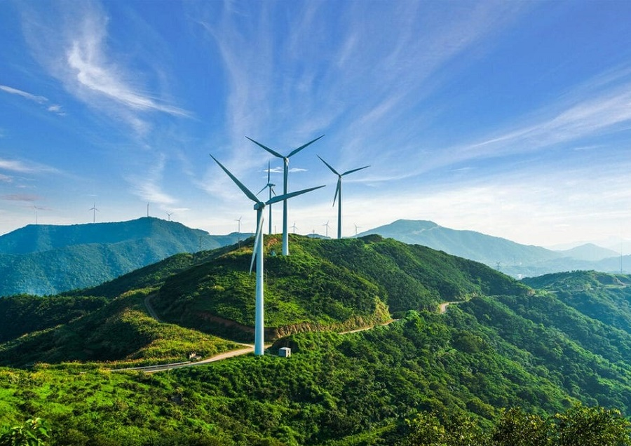 https://itsupplychain.com/wp-content/uploads/2021/06/wind-turbine-900x636.jpg