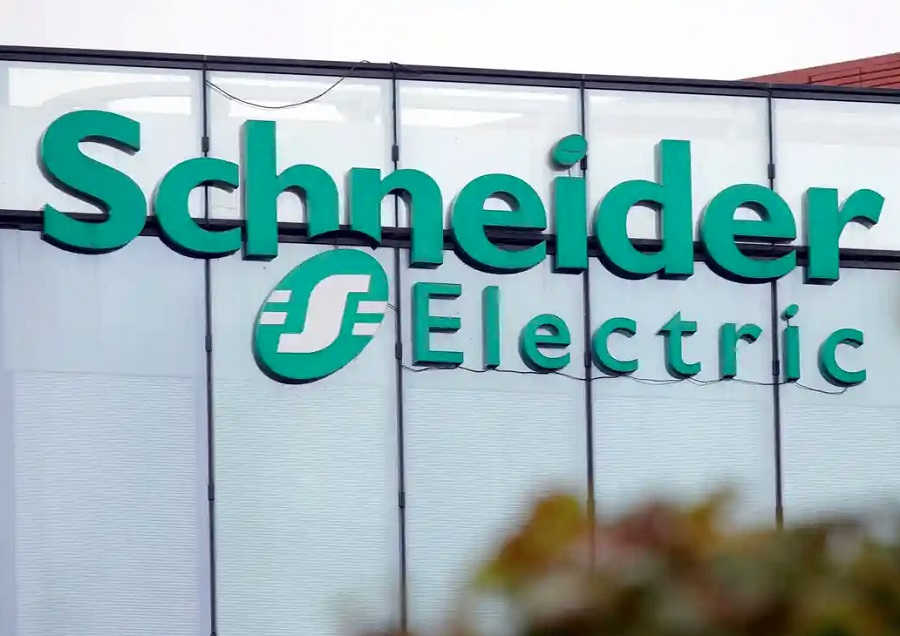 Schneider Electric Recognised as 2021 Microsoft Sustainability Changemaker Partner of the Year Award winner