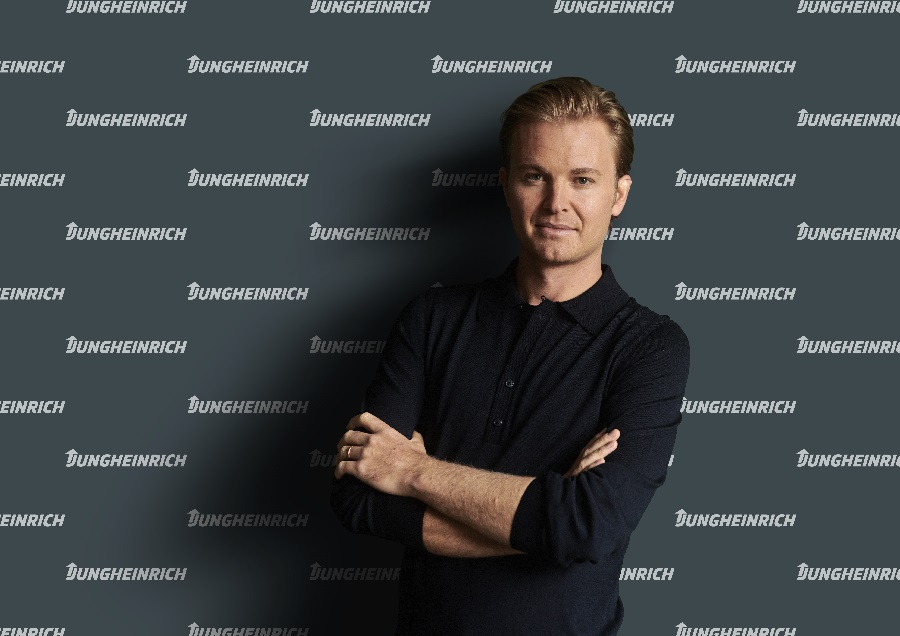 Racing together towards e-mobility & sustainability: Nico Rosberg becomes brand ambassador for Jungheinrich