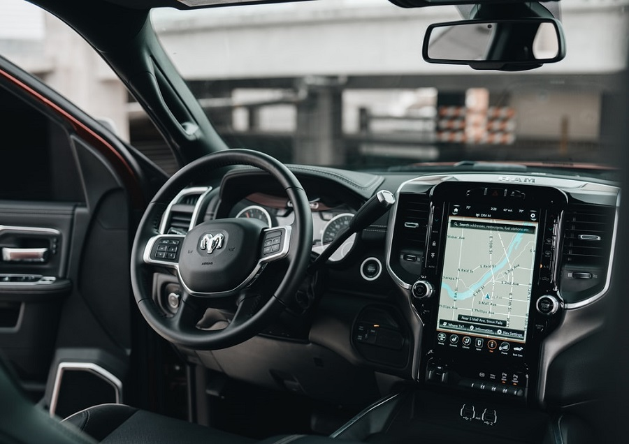 Why Voice Technology Is the Future of the Auto Industry